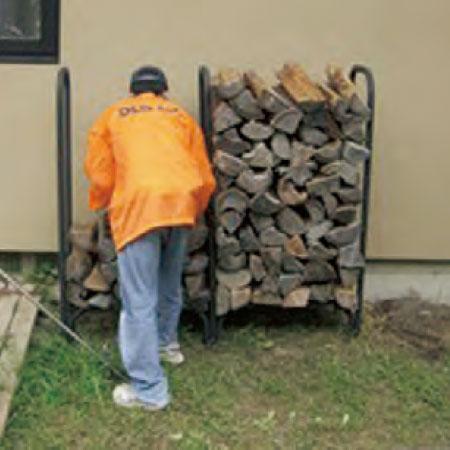 使用して減った分の薪を目盛単位で補充、伝票を作成し納品書をポストに投函します。